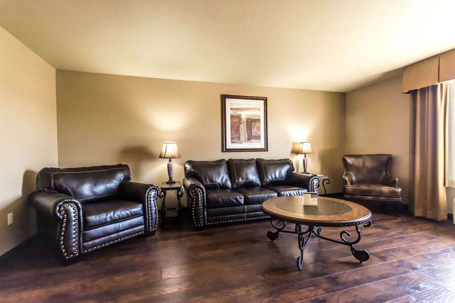 Prime Centerstone Plaza 11 Lakeshore Hotel Suites Home Interior And Landscaping Synyenasavecom